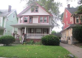 Casa en ejecución hipotecaria in Cleveland, OH, 44108,  KEMPTON AVE ID: F4480397