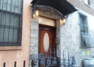 Casa en ejecución hipotecaria in New York, NY, 10029,  E 105TH ST ID: F4480425