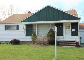 Casa en ejecución hipotecaria in Euclid, OH, 44132,  FULLERWOOD DR ID: F4480543