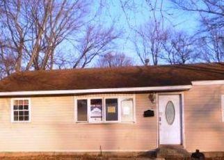 Casa en ejecución hipotecaria in Brentwood, NY, 11717,  MERRILL ST ID: F4482492