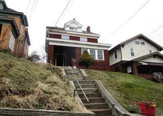 Casa en ejecución hipotecaria in Pittsburgh, PA, 15210,  CALHOUN AVE ID: F4484515