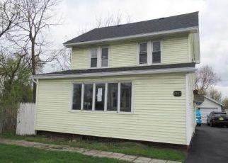 Casa en ejecución hipotecaria in Rochester, NY, 14623,  BRIGHTON HENRIETTA TOWN LINE RD ID: F4486081
