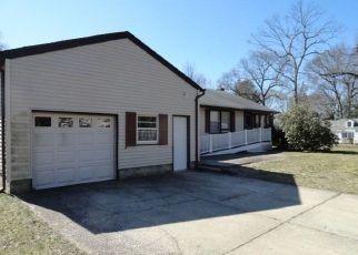 Casa en ejecución hipotecaria in Stony Brook, NY, 11790,  SAINT MARKS PL ID: F4486203