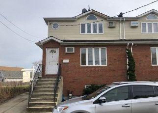 Casa en ejecución hipotecaria in Howard Beach, NY, 11414,  1ST ST ID: F4486283