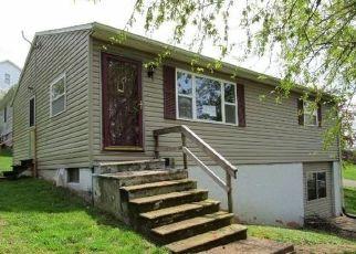 Casa en ejecución hipotecaria in Marietta, OH, 45750,  HOLLY ST ID: F4486721