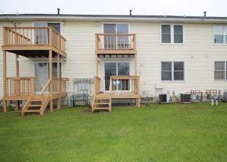 Casa en ejecución hipotecaria in Hamburg, NY, 14075,  CROWNVIEW TER ID: F4486827