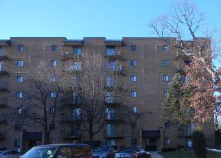 Casa en ejecución hipotecaria in Tinley Park, IL, 60477,  LAKE BLUFF DR ID: F4487341