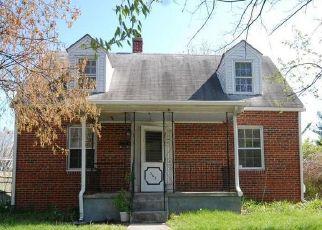 Casa en ejecución hipotecaria in Front Royal, VA, 22630,  W 10TH ST ID: F4487907