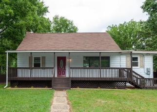 Casa en ejecución hipotecaria in Glen Burnie, MD, 21061,  LOUISE RD ID: F4488726