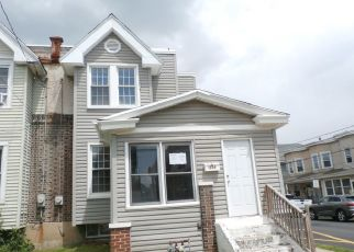 Casa en ejecución hipotecaria in Marcus Hook, PA, 19061,  SUMMIT ST ID: F4488761