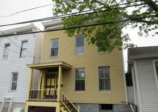 Casa en ejecución hipotecaria in Cohoes, NY, 12047,  CHESTNUT ST ID: F4490011