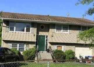 Casa en ejecución hipotecaria in Beacon, NY, 12508,  SCOFIELD RD ID: F4491066