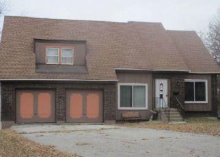 Casa en ejecución hipotecaria in Grandview, MO, 64030,  NORTON AVE ID: F4491645