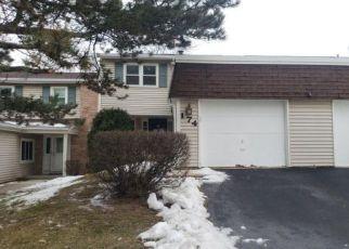 Foreclosure Home in Bolingbrook, IL, 60440,  TRACY WAY ID: F4491690