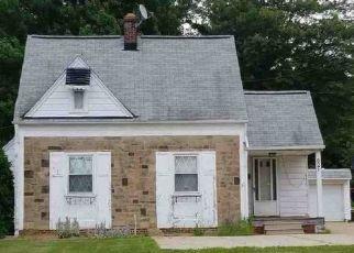 Casa en ejecución hipotecaria in Euclid, OH, 44132,  E 250TH ST ID: F4491801