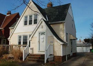 Casa en ejecución hipotecaria in Euclid, OH, 44132,  ORIOLE AVE ID: F4491964