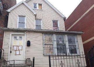 Casa en ejecución hipotecaria in Corona, NY, 11368,  37TH AVE ID: F4492690