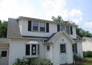 Casa en ejecución hipotecaria in Hamburg, NY, 14075,  ECKHARDT RD ID: F4493831