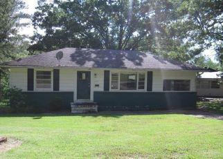 Casa en ejecución hipotecaria in Poplar Bluff, MO, 63901,  MEADOW LN ID: F4494036