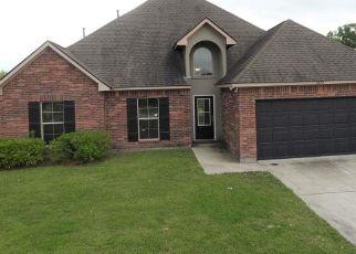 Foreclosure Home in Zachary, LA, 70791,  OAKS EDGE DR ID: F4494413