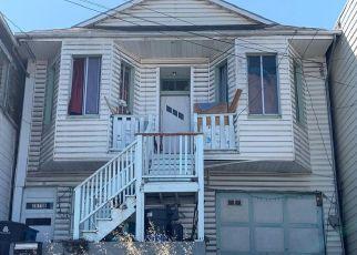 Casa en ejecución hipotecaria in San Francisco, CA, 94124,  QUESADA AVE ID: F4496310