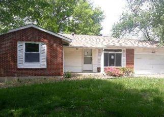 Casa en ejecución hipotecaria in Ballwin, MO, 63011,  RENDINA CT ID: F4496825