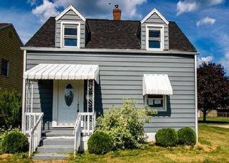 Casa en ejecución hipotecaria in Natrona Heights, PA, 15065,  PRINCETON AVE ID: F4497715