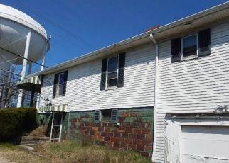 Casa en ejecución hipotecaria in Coraopolis, PA, 15108,  CORAOPOLIS RD ID: F4498928