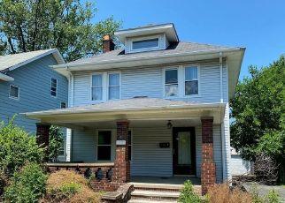 Casa en ejecución hipotecaria in Cleveland, OH, 44121,  DELMORE RD ID: F4499464