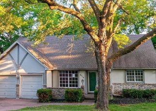 Casa en ejecución hipotecaria in Kansas City, MO, 64152,  NW LAWSON LN ID: F4499842