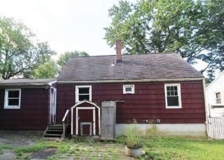Casa en ejecución hipotecaria in Waterbury, CT, 06705,  NATALIE TER ID: F4500640
