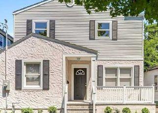 Casa en ejecución hipotecaria in Wantagh, NY, 11793,  OAKLAND AVE ID: F4500642