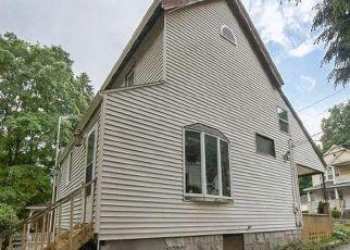 Casa en ejecución hipotecaria in Waterbury, CT, 06704,  BOYDEN ST ID: F4500643