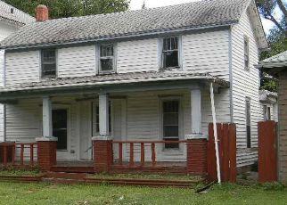 Foreclosure Home in Newton, KS, 67114,  E 2ND ST ID: F4500816