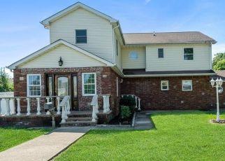 Casa en ejecución hipotecaria in Seaford, NY, 11783,  NEPTUNE AVE ID: F4500922