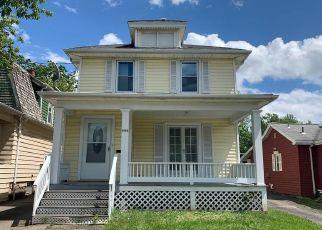 Casa en ejecución hipotecaria in Niagara Falls, NY, 14305,  MACKLEM AVE ID: F4503102