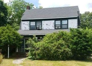 Casa en ejecución hipotecaria in Bayport, NY, 11705,  BAYPORT AVE ID: F4503746