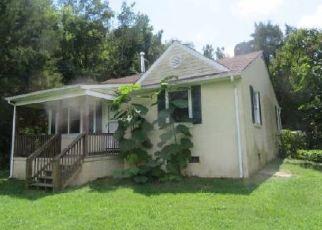 Casa en ejecución hipotecaria in Farmville, VA, 23901,  JAMESTOWN RD ID: F4504381