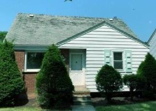 Casa en ejecución hipotecaria in Lincoln Park, MI, 48146,  MCLAIN AVE ID: F4504510