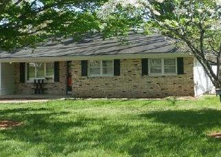 Casa en ejecución hipotecaria in West Plains, MO, 65775,  ROE AVE ID: F4504652