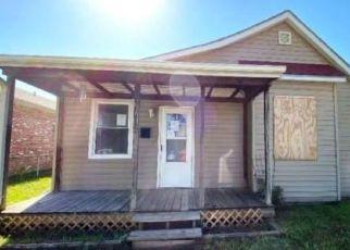 Casa en ejecución hipotecaria in Saint Joseph, MO, 64504,  WASHINGTON ST ID: F4504656