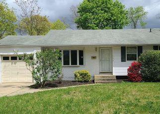 Casa en ejecución hipotecaria in Bay Shore, NY, 11706,  BALDWIN BLVD ID: F4505245