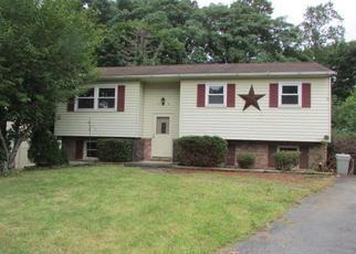 Casa en ejecución hipotecaria in Harrisburg, PA, 17112,  PINE ST ID: F4505436