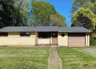 Casa en ejecución hipotecaria in Lynchburg, VA, 24502,  LAKEVIEW DR ID: F4505878