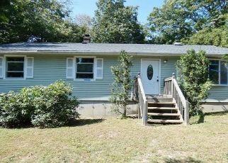 Casa en ejecución hipotecaria in Moosup, CT, 06354,  SUSIE AVE ID: F4508019