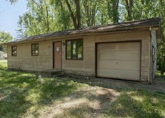 Foreclosure Home in Warsaw, IN, 46580,  S REDWOOD RD ID: F4508439