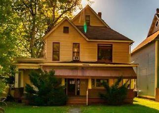Casa en ejecución hipotecaria in Natrona Heights, PA, 15065,  BLUE RIDGE AVE ID: F4508694