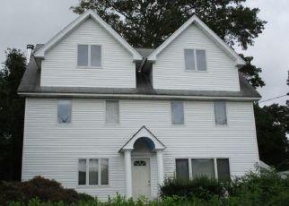 Casa en ejecución hipotecaria in Stamford, CT, 06902,  DORA ST ID: F4508861