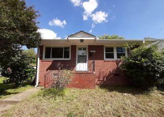 Casa en ejecución hipotecaria in Petersburg, VA, 23803,  S JONES ST ID: F4508918