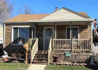 Casa en ejecución hipotecaria in Harper Woods, MI, 48225,  WOODLAND ST ID: F4508987